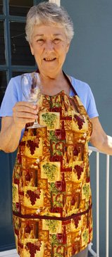 golden grapes wine apron with pockets
