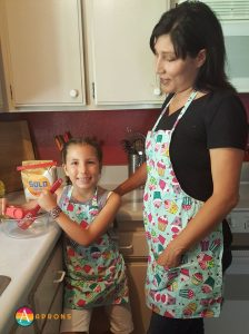 cupcake aprons with pockets